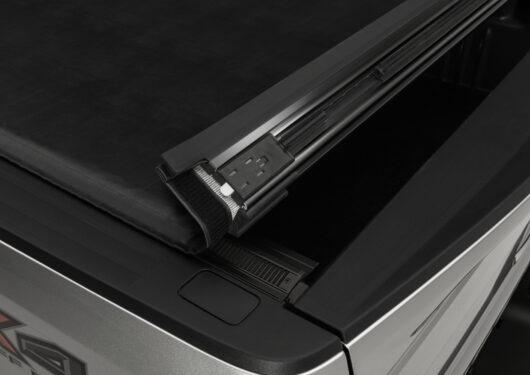 TX_Sentry_Ford_F250_Silver_Details-05Latch.jpg